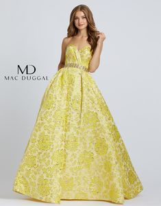 Be a pineapple, stand tall, wear a crown and be sweet on the inside with style number Lush yellow brocade A-Line ball gown with sweetheart neckline and golden jewel belt to complete the look. Prom Girl Dresses, Prom Dresses Online, Short Dresses, Two Piece Dress, The Dress, Tulle Ball Gown, Ball Gowns, Formal Gowns, Strapless Dress Formal