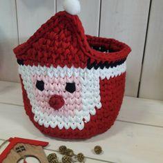 Mikulás kosár #pólófonal #horgolás #santaclausiscomingtotown #santaclaus #crochet #trapiĺlo #basket #christmastrapillo #christmas Crochet Winter, Holiday Crochet, Christmas Holidays, Christmas Crafts, Christmas Ornaments, Xmas, Christmas Crochet Patterns, Crochet Blocks, Diy Pumpkin