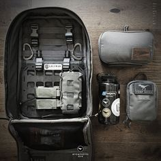 EDC - Modularity Reboot - The Carry Ideology - Carryology - Exploring better ways to carry Edc Backpack, Edc Bag, Tactical Backpack, Bearded Tattooed Men, Bearded Men, Edc Tactical, Bushcraft Gear, Chest Rig, Go Bags