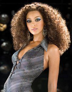 Beyoncé -- a dream girl in my dream eye makeup