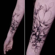 Thank you Yana🌿#botanicaltattoo#the_tattooed_ukraine #equilattera#instainspiredtattoos #tattooistartmag #inkstinctsubmission #igtattoogirls#tattooselection#inspirationstatto#mindblowingtattoos#tattoorandom#tattoodotcom#theartoftattoos #inkstinctsubmission #inkjunkey #tattoodo