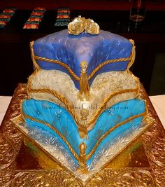Pillow Wedding Cakes | Pillow Wedding Cake | Flickr - Photo Sharing!