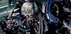 """""""Que"""" o  más conocido como Wheeljack/Tiene el rostro similar al de Albert Einstein  #Autobot"""