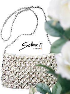 Sac recyclé en capsules de canettes Solene M (par E-MOI). www.emoi-france.fr www.facebook.com/emoi.france www.facebook.com/Accessoires.solene.M