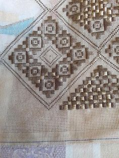 Cross Stitch Borders, Cross Stitch Patterns, Bargello, Beaded Embroidery, Diy And Crafts, Handmade, Decor, Hardanger, Towels