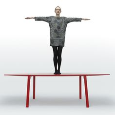 British designer Benjamin Hubert developed a more stable version of his lightweight Ripple table
