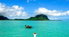 Hint Okyanusu'nda bulunan ve bir diğer popüler balayı lokasyonu olan Seyşeller'e komşu olan Mauritius adası, yaklaşık 1 milyon 200 bin kişilik nüfusu ile, uzun yıllar boyunca turizm dışındaki sektörlerle varlığını sürdürmüş olan bir ülkedir. 1968'den itibaren ciddi bir turizm atılımı yapan Mauritius, günümüzde önemli bir balayı durağı haline geldi.
