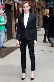 f864532be7 Trajes para mujer. Traje pantalón para mujer. Outfits de oficina para mujer.  Cómo vestir en el trabajo para mujeres.