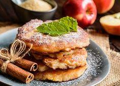 Clatite pufoase cu mere