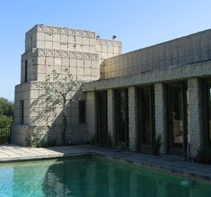 Frank Lloyd Wright's - Ennis House (Los Angeles)