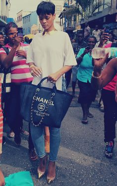 Rihanna Shopping In Barbados Rihanna. RiRi #Rihanna, #Riri, #pinsland, apps.facebook.com... 9 3