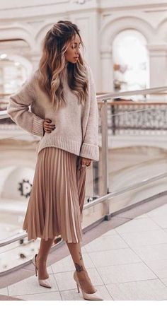 cheap midi length skirts pink pleated chiffon skirt long length metallic pleated skirt pink pleated midi skirt with sweater fashion spring style 32 Classy Pleated Dress Outfit Ideas For Fall And Winter Season Looks Style, Looks Cool, Pink Pleated Midi Skirt, Mini Skirt, Skirt Pic, Long Pleated Skirts, Long Pink Skirt, Long Chiffon Skirt, Flowy Skirt