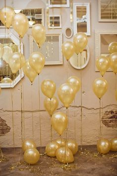 { Gold Balloons }