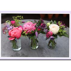 A how-to guide on how to arrange flowers by vase.  I especially love these flower arrangements in old jars of jelly.