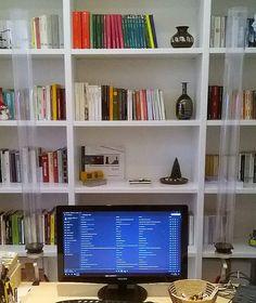 diffusore 665g, con supporti da scrivania Timberland, Robin, Bookcase, Shelves, Home Decor, Shelving, Decoration Home, Room Decor, Book Shelves