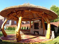 Wooden Garden Gazebo, Backyard Gazebo, Bali Huts, Tuscan House Plans, Backyard Covered Patios, Outdoor Pavilion, Outdoor Restaurant, Thatched Roof, Outside Living