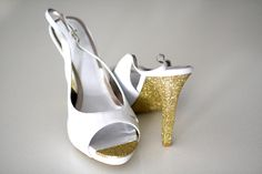 Super easy DIY project! Plus it looks fantastic. I could bring a touch of glamor to my heels just like this. Makes me think of Kate Spade shoes with glitter on the sole and on the heel. Must try!
