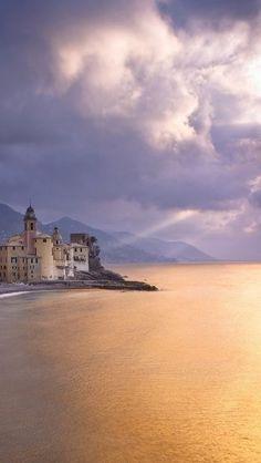 Portofino, Italy - Discover romantic getaways, alternative honeymoon ideas and the best honeymoon destinations on Mrs. Purple Rose's blog. Explore here www.mrspurplerose.com