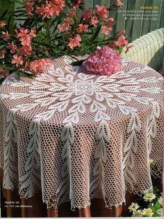 Crochet doily crochet doilies Crochet tablecloth Home Crochet Buttons, Thread Crochet, Filet Crochet, Crochet Doilies, Crochet Tablecloth Pattern, Crochet Bedspread, Mantel Redondo A Crochet, Knitting Patterns, Crochet Patterns