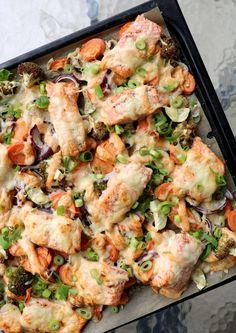 LINDASTUHAUG - det skal vere en opptur med sunn mat! Red Curry Paste, Quinoa, Sprouts, Philadelphia, Chili, Chicken, Meat, Vegetables, Chili Powder