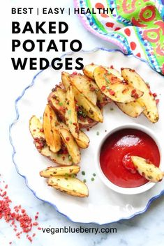 These easy baked potato wedges are seasoned with smoked paprika, garlic, and onion powder, tossed in olive oil, and baked in the oven to crispy perfection! A quick and healthy recipe that pleases everyone! Healthy Baked Potatoes, Crispy Baked Potato Wedges, Vegan Baked Potato, Easy Baked Potato, Making Baked Potatoes, Easy Vegan Lunch, Vegan Lunches, Vegan Snacks, Vegan Food