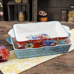 Shop for The Pioneer Woman Bakeware in Kitchen & Dining. Buy products such as The Pioneer Woman Rectangular Ruffle Top Ceramic Bakeware Set, Multiple Patterns at Walmart and save. Pioneer Woman Bakeware, Pioneer Woman Dishes, Pioneer Woman Kitchen, Pioneer Women, Pioneer Woman Dinnerware, Ceramic Bakeware, Stoneware, Kitchenware, Baking Set