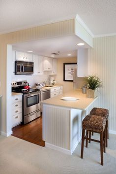 Amazing Small Kitchen Remodel Ideas that Perfect for Your Kitchen Find out how to design your own Kitchen. We have given the best Small Kitchen Remodel Ideas that Perfect for Your Kitchen. New Kitchen, Kitchen Decor, Design Kitchen, Kitchen Small, Small Kitchens, Little Kitchen, Kitchen Tables, Small House Kitchen Ideas, Very Small Kitchen Design
