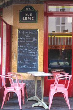 La terrasse du Café des 2 Moulins, rue Lepic... (Paris 18ème) www.MadamPaloozaEmporium.com www.facebook.com/MadamPalooza