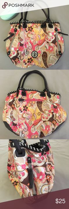 Franco Sarto floral shopper tote hobo Canvas with brown leather trim. EUC, just some minimal staining in spots on shell, hardly visible. Interior is minty clean, with great storage. Cool zippers on shell. Thx‼️💋‼️ Franco Sarto Bags Satchels