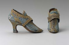 Women's buckle shoes | European (possibly Italian) | 1760-1770s | silk, gilt metal thread, gilt metal lace, leather | Museum of Fine Arts, Boston | Accession #: 44.488a-b