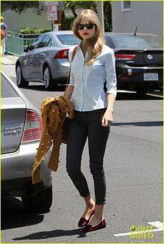 Taylor Swift: Memorial Day Studio Visit
