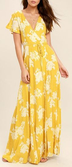 Win them over every time with the Heart of Marigold Yellow Floral Print Wrap Maxi Dress! White floral print embellishes breezy woven rayon as it drapes into a sultry surplice bodice, framed by fluttering short sleeves. Floral Print Maxi Dress, Maxi Wrap Dress, Maxi Dress With Sleeves, Yellow Floral Dress, Lace Maxi, Floral Lace, Short Beach Dresses, Summer Dresses, Moda Casual