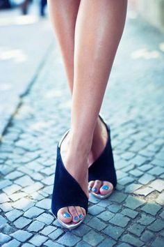 perfect shoes + cobalt pedi