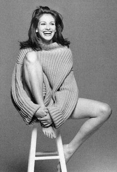 Photography Poses : – Picture : – Description Julia Roberts -Read More – Model Poses Photography, Woman Portrait Photography, Clothing Photography, Summer Photography, Photography Lessons, Nikon Photography, Photography Backdrops, Lifestyle Photography, Photography Ideas