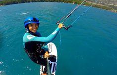 #kitesurf #kitesurfing Après ma participation au championnat d'Angleterre et à la Coupe du monde de voile de l'ISAF (article précédent), j'ai pris le chemin de la Turquie. Je me suis rendue à mon camp de base européen, Gokova, l'endroit où j'ai passé tout le mois de mai dernier en camp d'entraînement de kiteboard racing et de kitefoil racing.