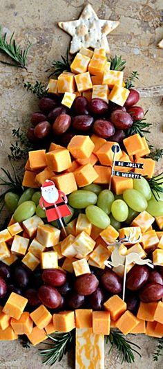 Christmas Tree Cheese Board #appetizersforchristmasparty