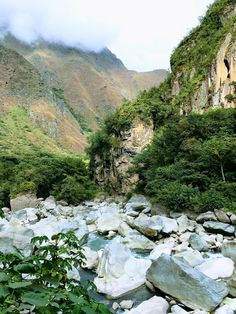 On the hike up to Machu Picchu - Aguas Calientes Peru [OC] [1334x750]