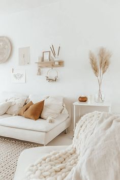 Living Room Shelves, Home Living Room, Apartment Living, Living Room Designs, Living Room Decor, Bedroom Decor, Bohemian Living, Zara Home, Living Room Inspiration