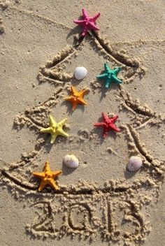 Christmas tree in the sand ... so cute!