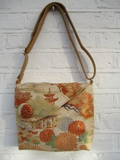Shoulder/Cross body bag made from vintage silk obi fabric - Beige/Brown/Orange/Green by Jasuin on Etsy Kimono Fabric, Fabric Art, Fabric Crafts, Silk Kimono, Japanese Fabric, Japanese Bags, Homemade Bags, Ethnic Bag, Latest Bags