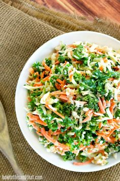 The addition of kale to this slaw adds a great crunch and lots of antioxidants, with a homemade cole slaw dressing that makes it taste just like KFC& New Recipes, Salad Recipes, Cooking Recipes, Healthy Recipes, Copycat Recipes, Family Recipes, Delicious Recipes, Yummy Food, Kfc Chicken Recipe