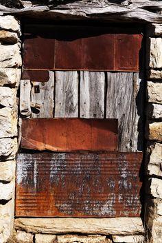 Rust   さび   Rouille   ржавчина   Ruggine   Herrumbre   Chip   Decay   Metal   Corrosion   Tarnish   Texture   Colors   Contrast   Patina   Decay   Eduardo Seco
