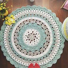 Inspiração linda para hoje   By @mariatrapillo1   _  #inspiracao #tapetes #trapillo #rug #crochet #fiodemalha