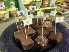 Brownies con banderitas Caramel Apples, Brownies, Cake Pops, Kit, Desserts, Food, Cake Brownies, Cake Pop, Tailgate Desserts