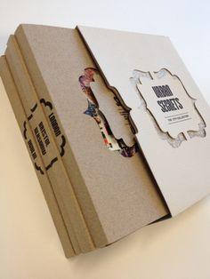 Uma série de Livros, e uma embalagem que une as histórias, com um toque simples mas sofisticado.  Designed by Katie Haynes