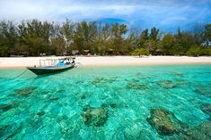 Do you have a travel plan from Bali To Gili Islands? If yes, find out the best way from Bali to Gili Trawangan Island Lombok Indonesia. Bali Lombok, Gili Trawangan, Ubud, Lovina Bali, Places To Travel, Places To Visit, Travel Destinations, Gili Air, Gili Island