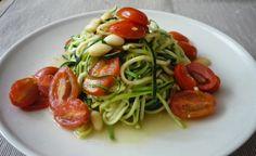VeggieFish: Zucchini spaghetti with almonds and tomatoes