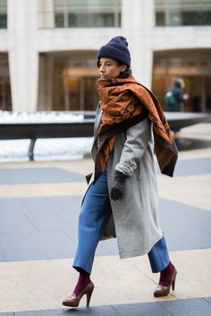 5 Reasons to Upgrade Your Winter Look With a Vintage-Inspired Tapestry Scarf
