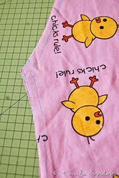 4 EN LA CARRETERA. Handmade: TUTORIAL: COSER UN PIJAMA RÁPIDO SIN PATRÓN Pajama Pattern, Kids Pajamas, Baby Sewing, Couture, Clothes, Ideas, Kid Outfits, Owls, Gifs