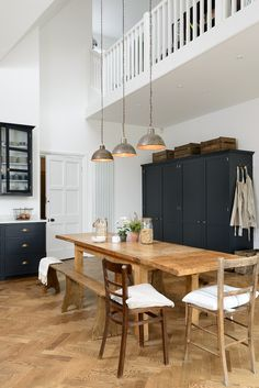 deVOL Kitchens make the Classic English Kitchen, Shaker Kitchen and Air kitchens. All our bespoke kitchens are handmade by deVOL cabinet makers in our Leicestershire workshops. Shaker Kitchen, New Kitchen, Kitchen Dining, Dining Area, Dining Rooms, Kitchen Ideas, Dining Sets, Kitchen Floor, Kitchen Cupboards